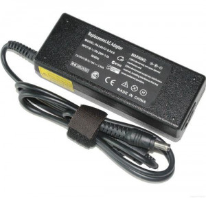 Toshiba 19V 3.95A Notebook Charger