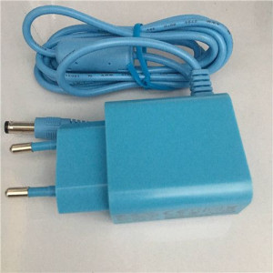 AC/DC Adapters with 100 to 240V AC Universal Input